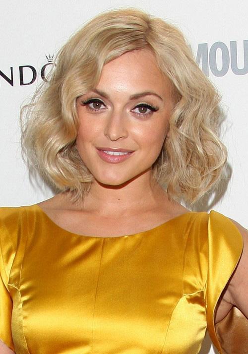 С волнистыми волосами примеры фото
